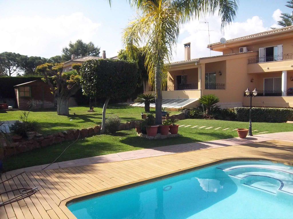comprar-casa-en-monasterios-puzol-pineda-luxury-inmobiliaria-en-monasterios-comprar-casa-2.jpg