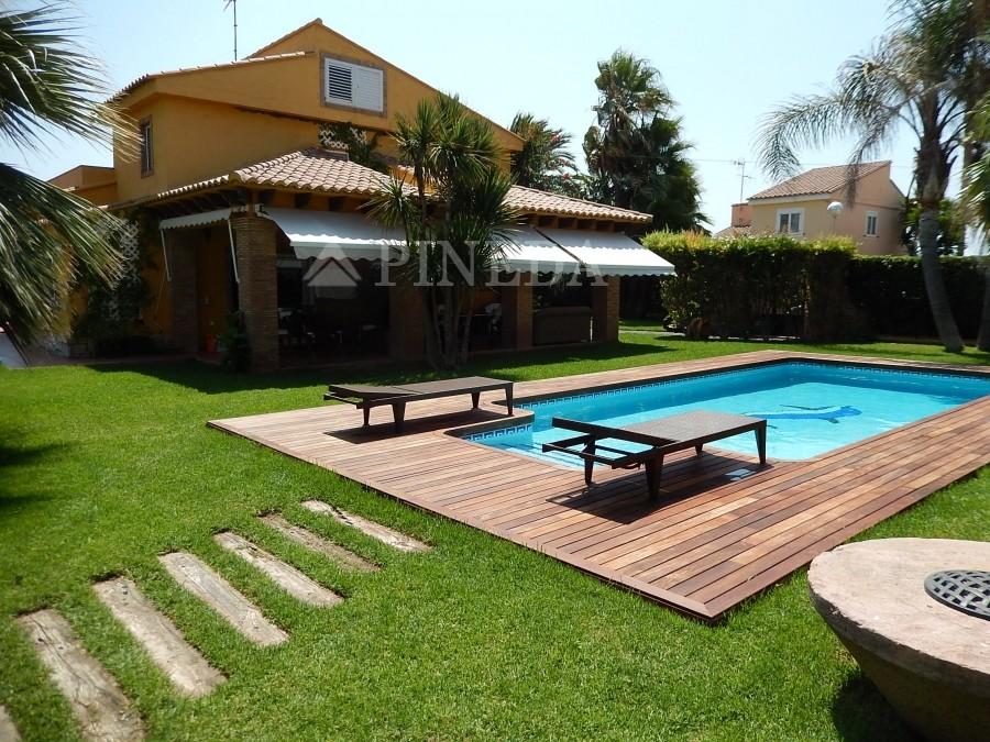 pineda luxury villas en valencia con piscina lujo inmobiliaria