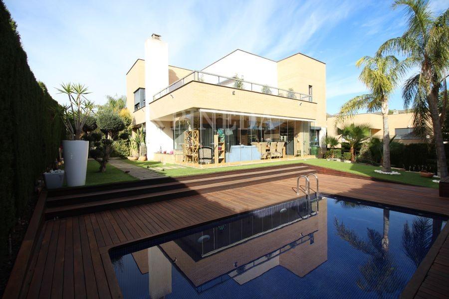 alquilar casas de lujo en alfinach puzol | pineda luxury